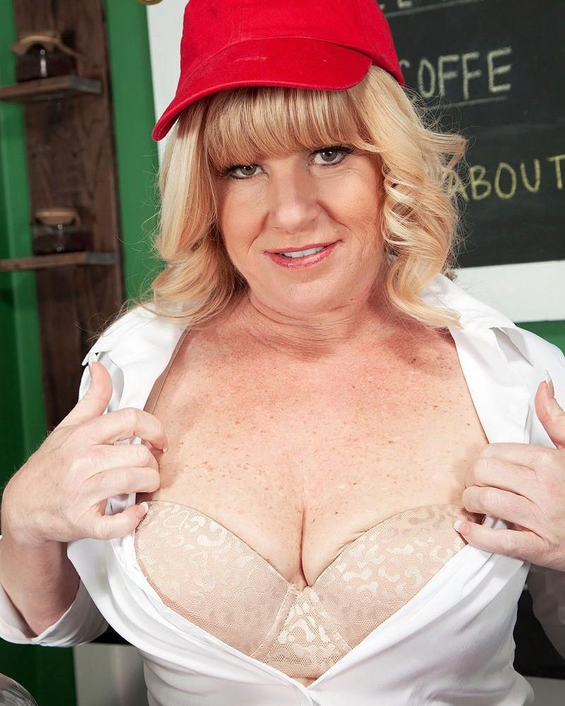 Older blonde amateur revealing large first timer boobs and erect nipples