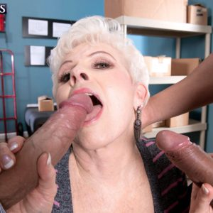 Horny granny pornstar Jewel sucking off two huge dicks at once for cum swallow