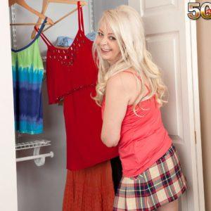 Over 50 blonde MILF Heidi giving blowjob after shedding skirt