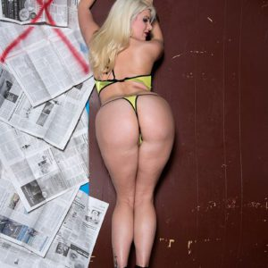 Fat assed platinum blonde chick Layla Price showing off big white booty