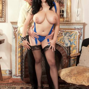 Brunette MILF Shione Cooper flaunting humungous tits for nipple licking in hose
