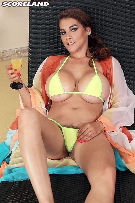Mischel Lee Busting Loose From Bikini Before Sex  Nude -7262