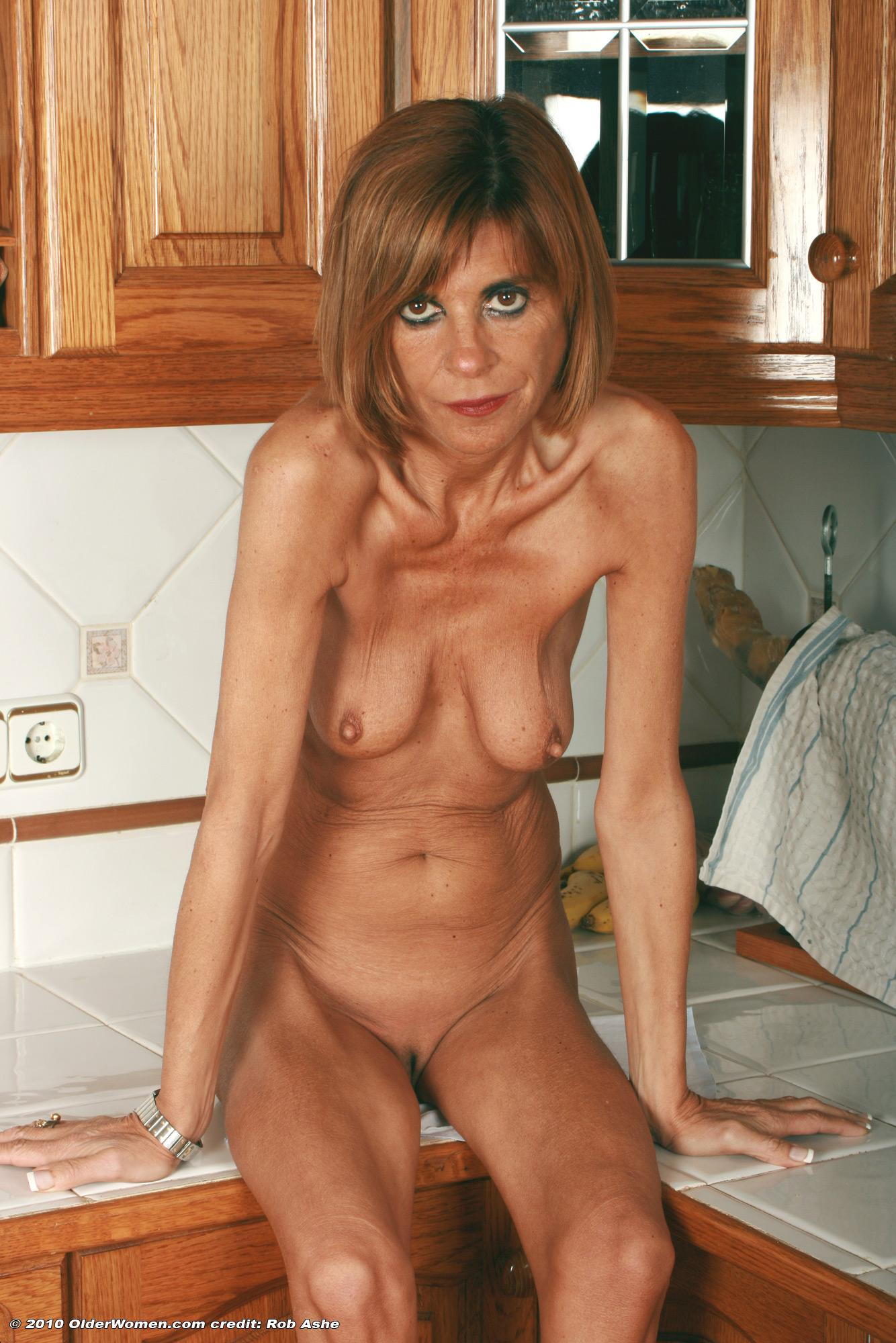 pink-naked-aunt-naked-women-free