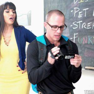 Brown-haired MILF professor Mercedes Carrera having sex with schoolgirl on desk