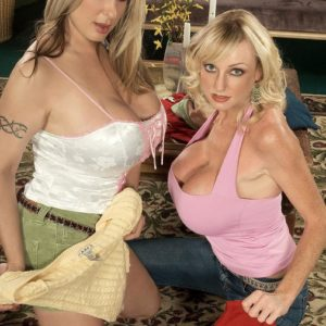 Light-haired MILF Summer Sinn and her lezzy girlfriend reveal big funbags and tattoos
