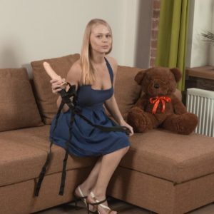 European amateur Darina Nikitina gliding off panties before dildoing unshaven cooter