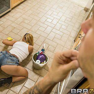 Fair-haired MILF XXX movie star Katja Kassin getting butt penetrated by humungous knob