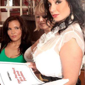 Busty latina milf pornstar daylene rio showcasing huge ass and bald fuckbox