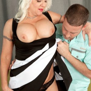 Over Sixty XXX film starlet Veronica Vaughn baring immense aged melons before providing oral job