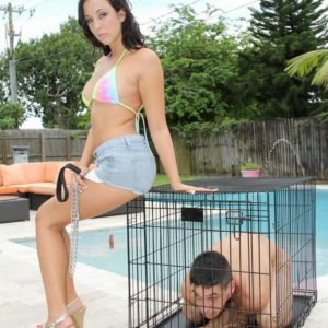 Adriana Lily lets collared submissive free from box outdoors by pool for pegging