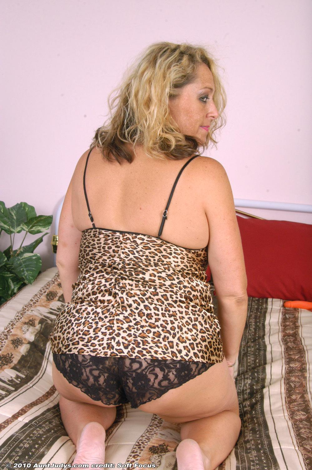 Chunky Older Golden-Haired Woman Peeling Off Lingerie And -6798