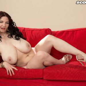 Dark haired MILF XXX starlet Vanessa Y letting immense all-natural melons free in high heels