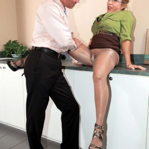 Hose garbed older office employee Luna Azul uncovering massive breasts before delivering blow-job