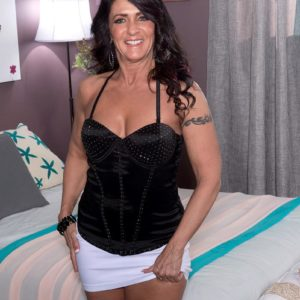 Over 50 brown-haired Azure Dee seducing junior man in mini skirt and high-heeled shoes