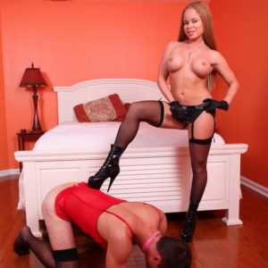 Big-titted stocking and high heel garmented gf Nikki Delano face banging sissy before pegging