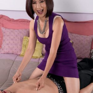 Lil' Asian grandmother Kim Anh flashing milky lace underwear to tempt younger dude