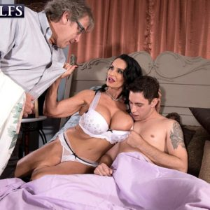Chesty experienced XXX pornstar Rita Daniels titty screwing and straddling of huge wood