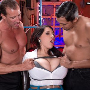 Black-haired stunner Elle Flynn strapped with rope while enduring MMF nipple eating