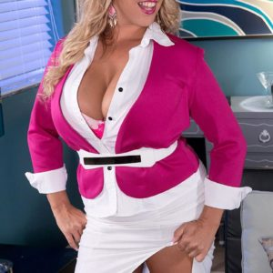 Golden-haired MILF porno starlet Amber Lynn Bach delivering hooter screw after being undressed