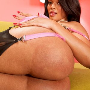 Solo model Blu Diamond flashes off her humungous ass in pantyhose and garters