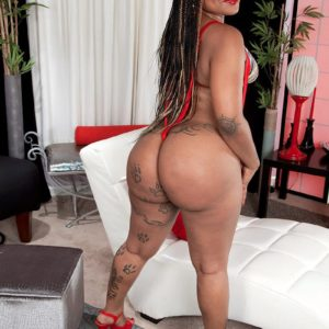 Ebony MILF Diamond Monroe exposes her tatted outfitted gigantic ass