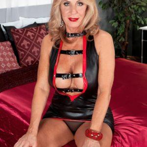 Skinny blond grannie Phoenix Skye giving monster-sized wood hj and blow-job in high heels