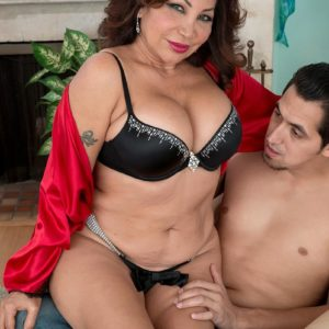 Aged doll Sandra Martines seduces a junior dude in boulder-holder and panties concoction