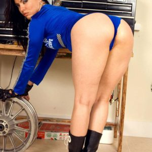 Latina solo model Dede Lopez lets out her enormous backside as she strips nude