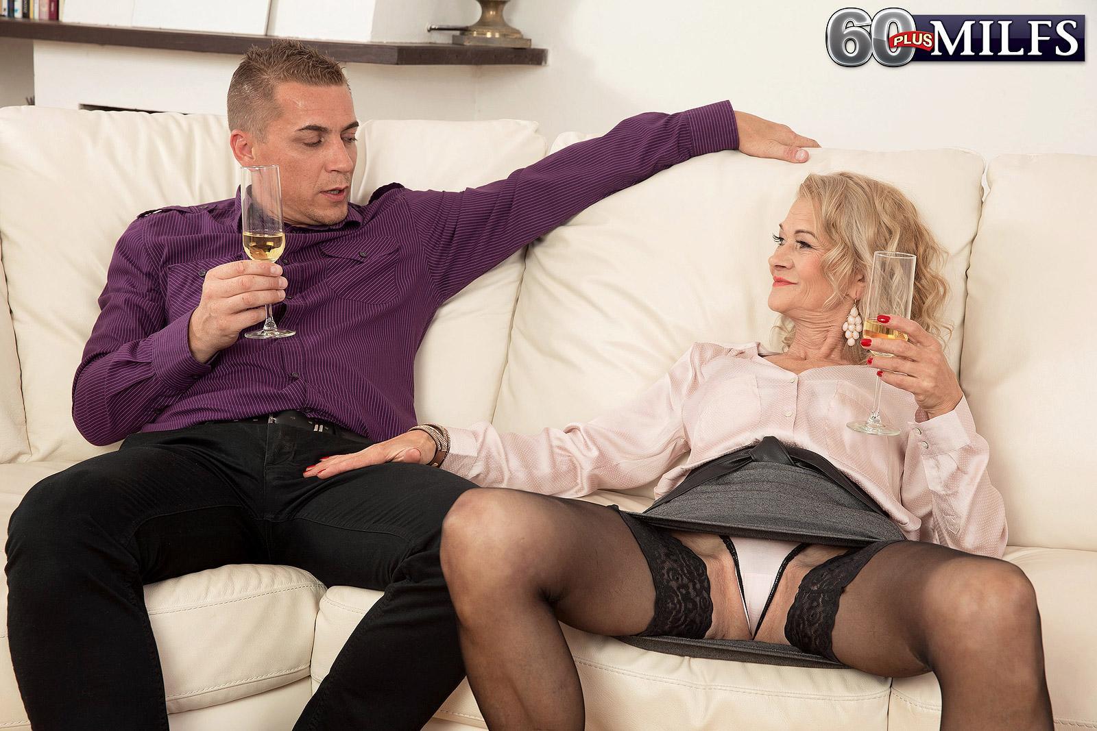 Sexy elder lady Beata gives a ball munching blow-job after seducing a junior boy
