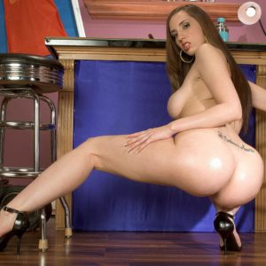 Milky MILF Kelly Divine dirty dances her bubble butt former to dildoing her dirty twat