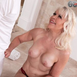 Alluring grandma Lady S blows her massagist after rubdown and losing her boulder-holder
