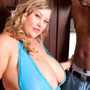 Experienced platinum-blonde BIG HOT WOMAN Sienna Hills releases humungous titties before jacking a BIG EBONY DICK
