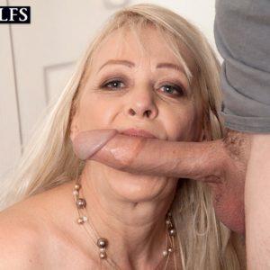 Mature blonde woman Heidi sucks her stepson's big cock after seducing him