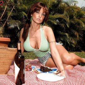 Enticing MILF Sarah Sunshine has her humungous all-natural titties caressed outdoors